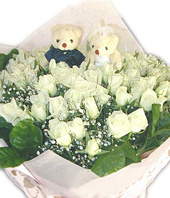99 White Roses,A pair of bear